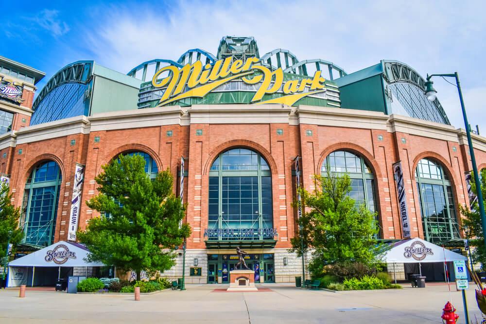 Milwaukee-Brewers-Miller-Park